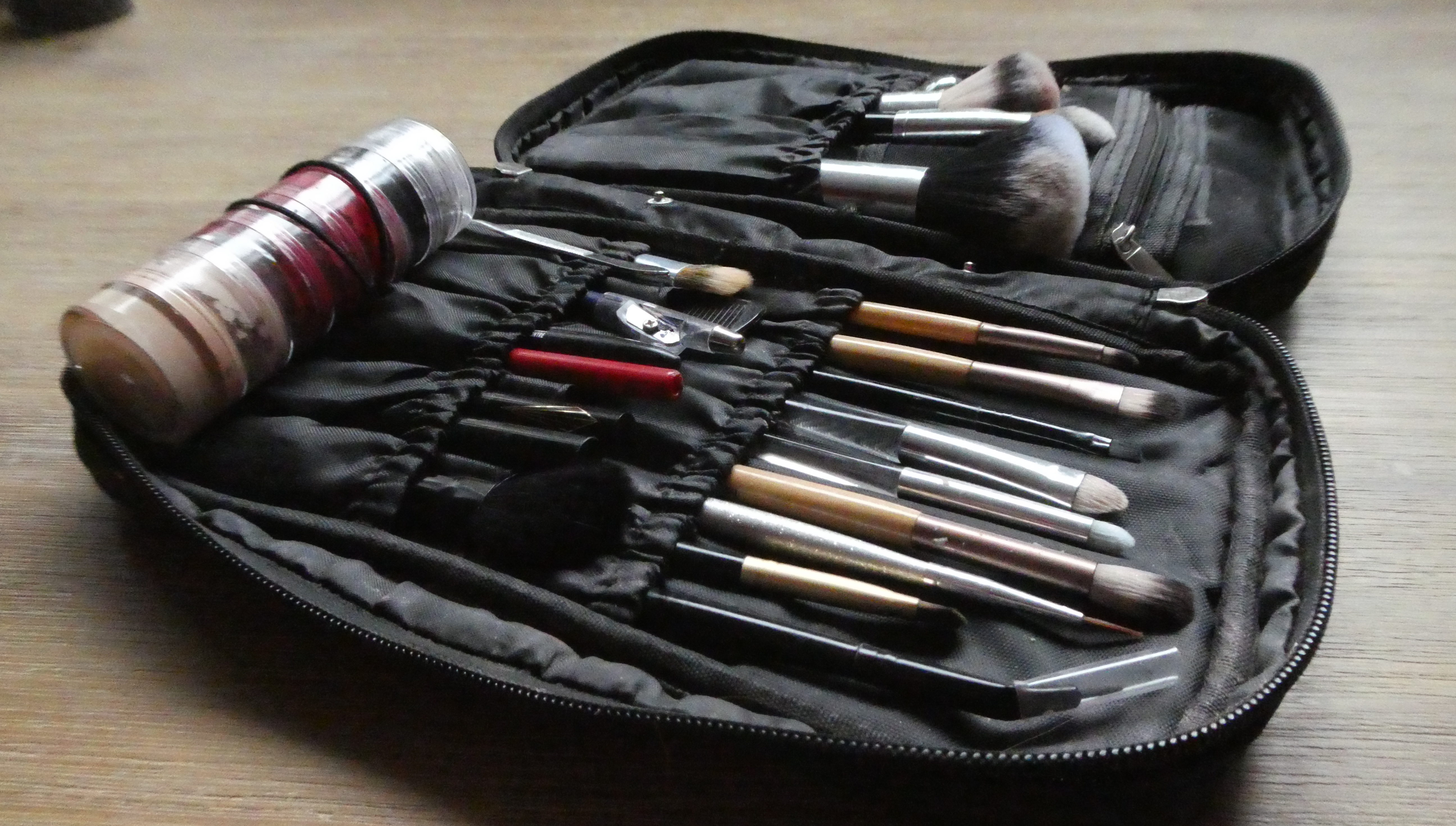 The Minimalist Makeup Kit of a Professional Entertainer